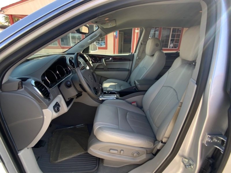 Buick Enclave 2016 price $19,995