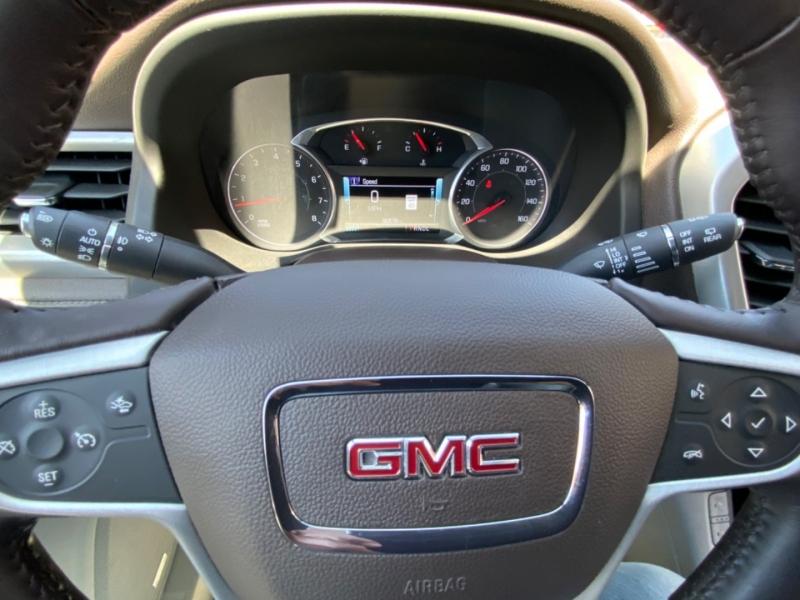 GMC Acadia 2017 price $27,995