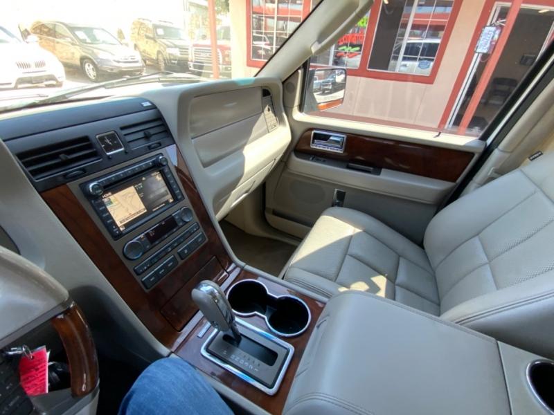 Lincoln Navigator 2012 price $14,995