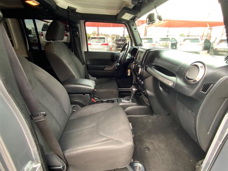 Jeep Wrangler Unlimited 2014 price $30,995