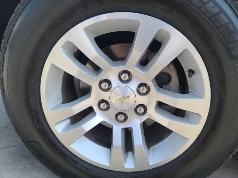 Chevrolet Suburban 2017 price $33,995