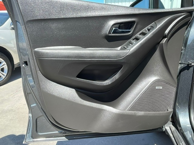 Chevrolet Trax 2017 price $16,995