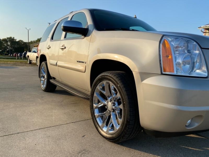 GMC Yukon 2008 price $14,900