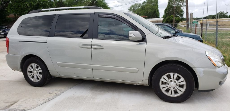 KIA SEDONA 2006 price Call for Pricing.