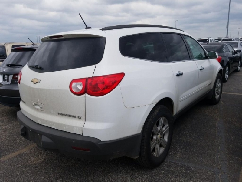 CHEVROLET TRAVERSE 2009 price $8,900