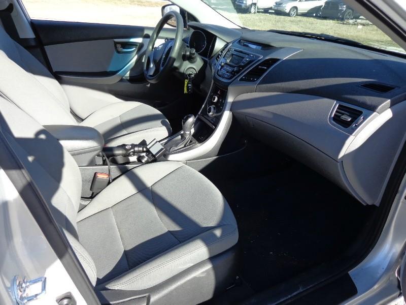 Hyundai Elantra 2016 price $2,000 Down