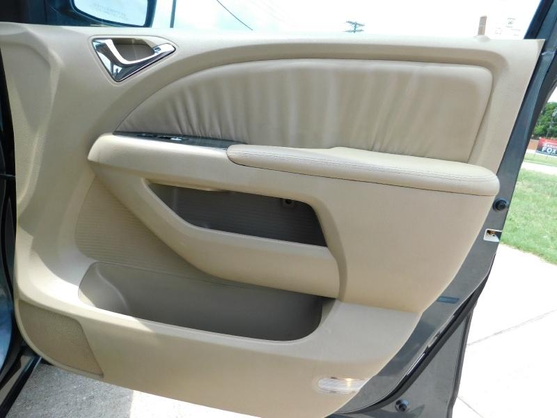 Honda Odyssey 2006 price $5,500 Cash