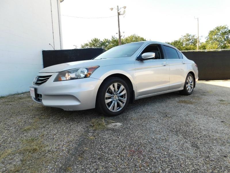 Honda Accord Sdn 2012 price $2,000 Down