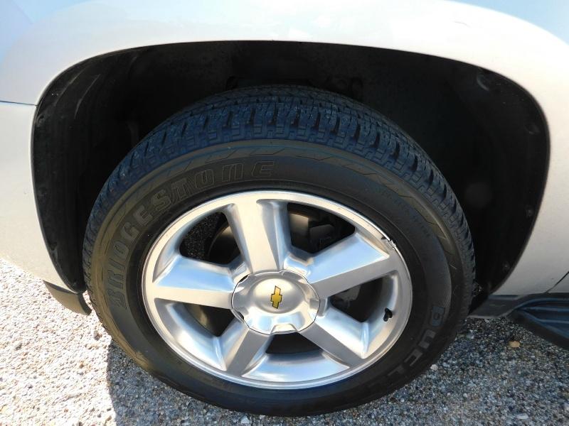 Chevrolet Suburban 2012 price $3,500 Down