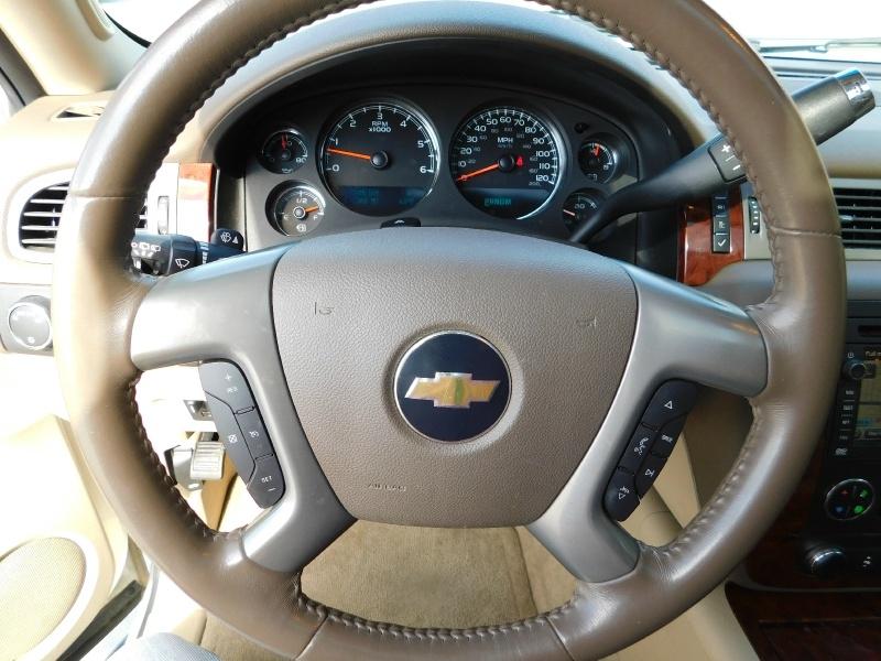 Chevrolet Suburban 2011 price $4,000 Down