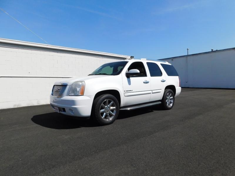 GMC Yukon Denali 2008 price $3,000 Down
