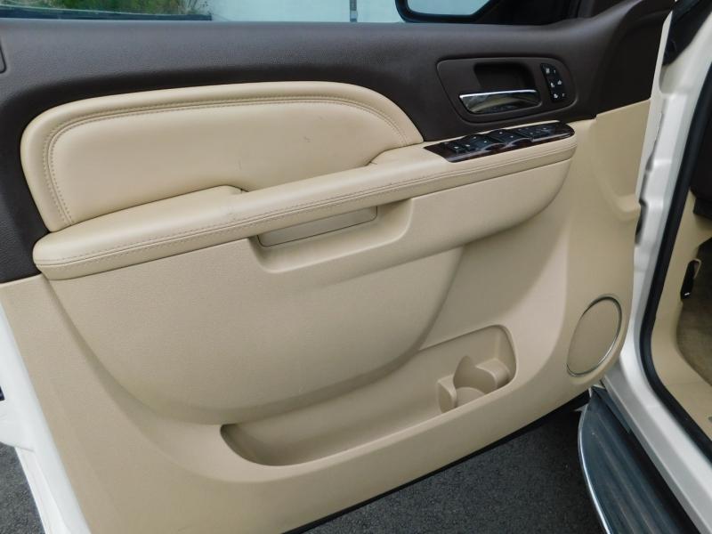 GMC Yukon 2011 price $3,500 Down
