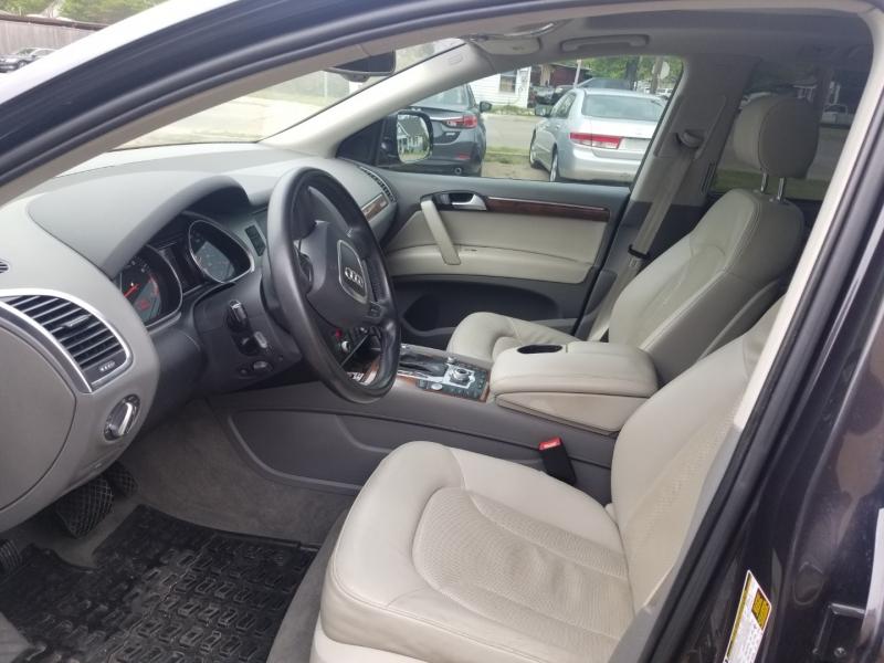 Audi Q7 2011 price $9,900 Cash