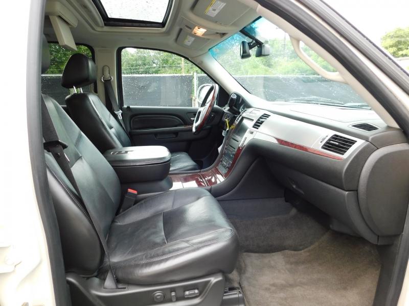 Cadillac Escalade ESV 2010 price $4,500 Down