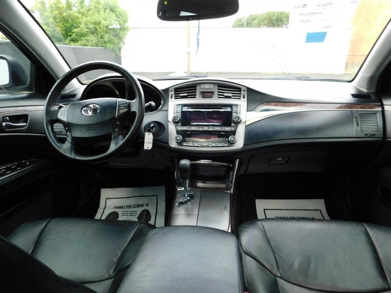 Toyota Avalon 2012 price $2,000 Down