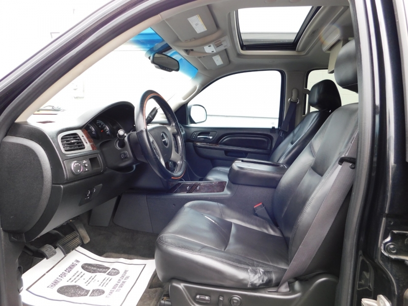 GMC Yukon XL 2011 price $3,000 Down