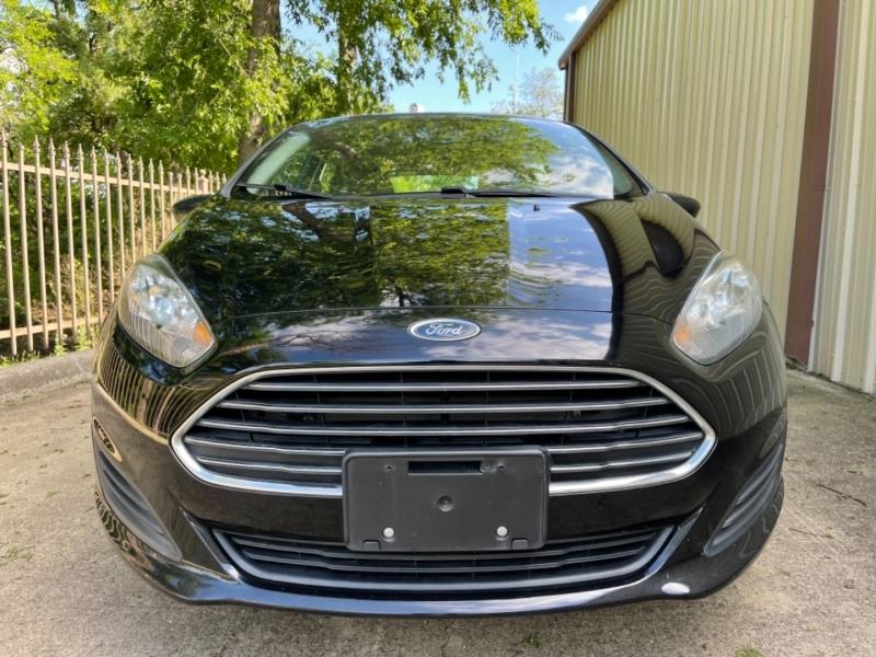 Ford Fiesta 2016 price $8,900