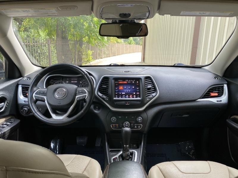 Jeep Cherokee 2015 price $11,900