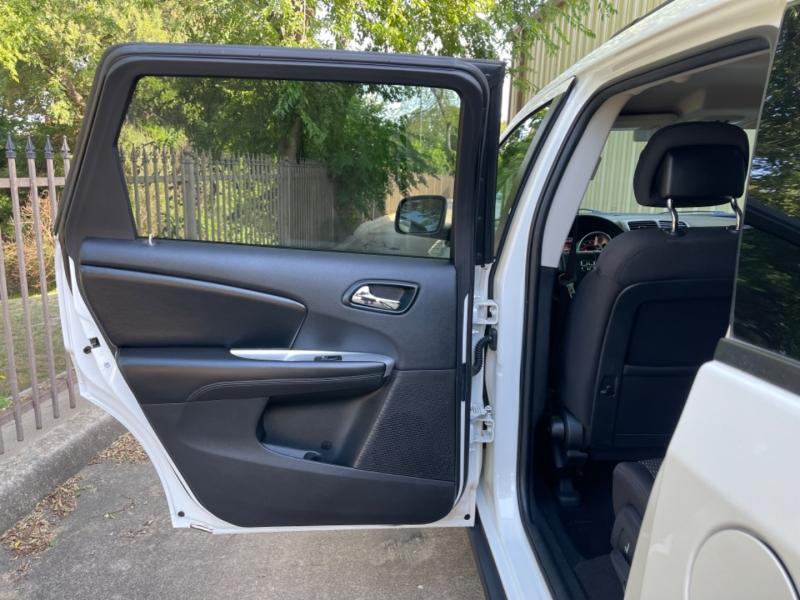 Dodge Journey 2015 price $10,900