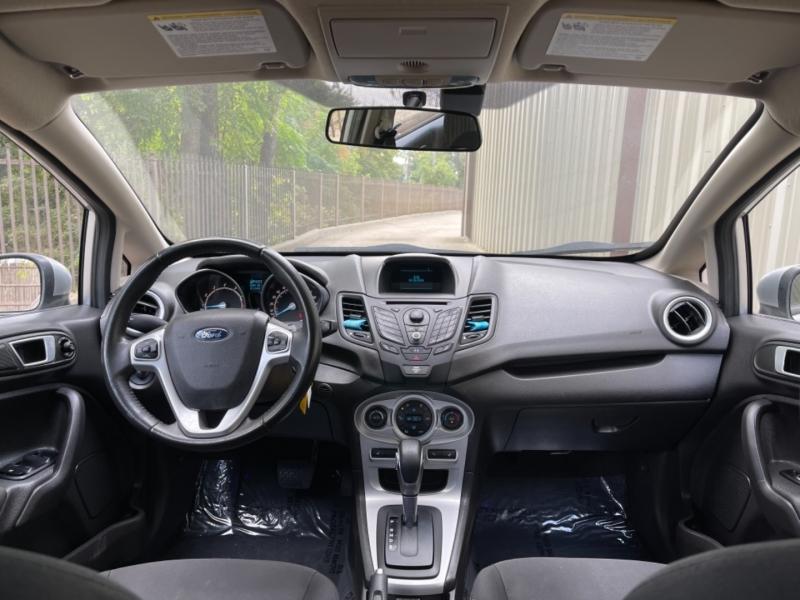 Ford Fiesta 2015 price $8,900