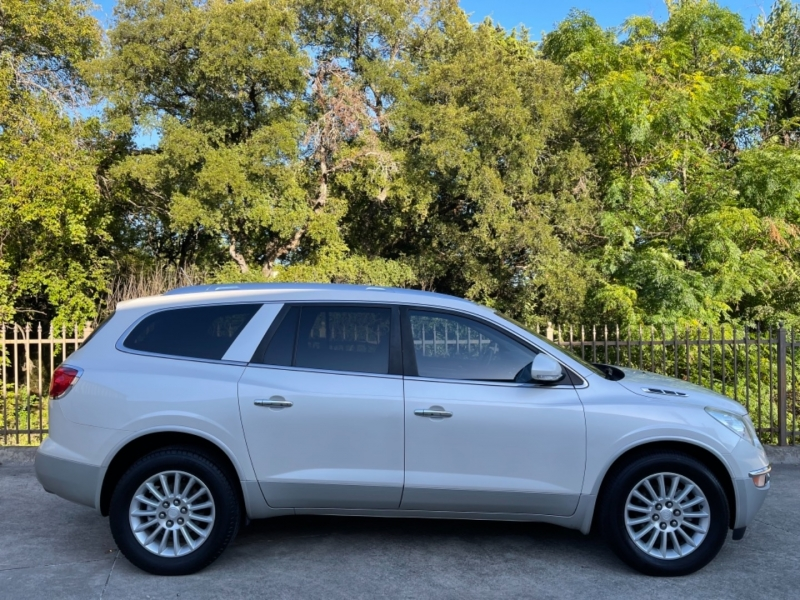 Buick Enclave 2010 price $9,900