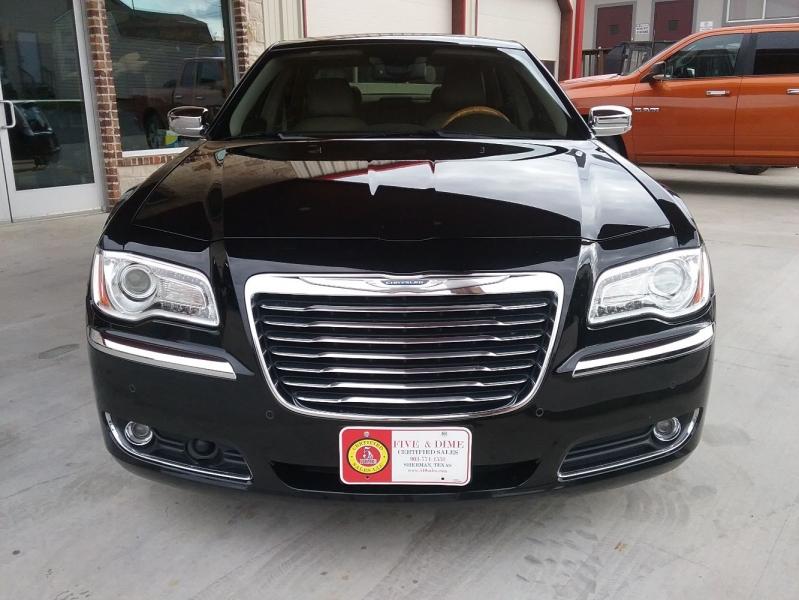 Chrysler 300 2013 price $15,999