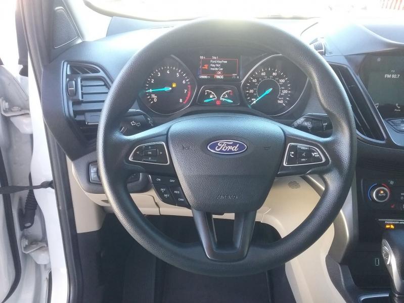 Ford Escape 2019 price $18,999
