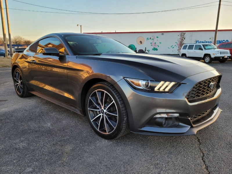 Ford Mustang 2015 price $15,999