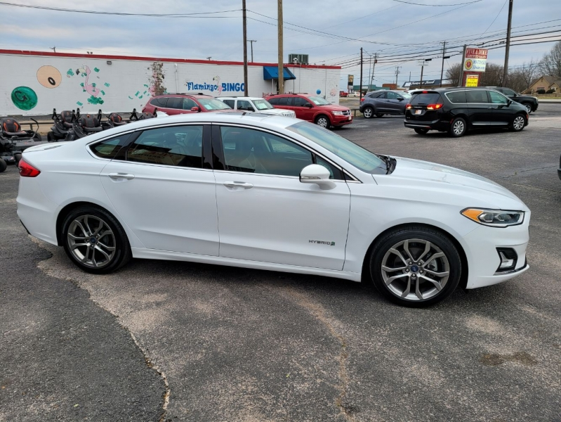 Ford Fusion Hybrid 2019 price $18,999
