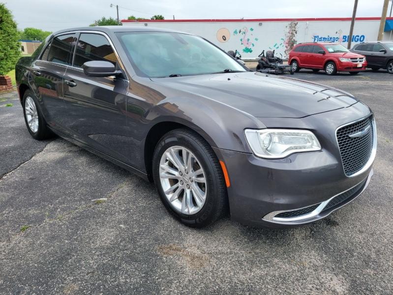 Chrysler 300 2017 price $16,999