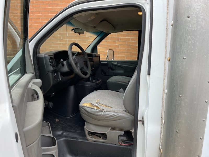 Chevrolet Express Commercial 2003 price $8,900
