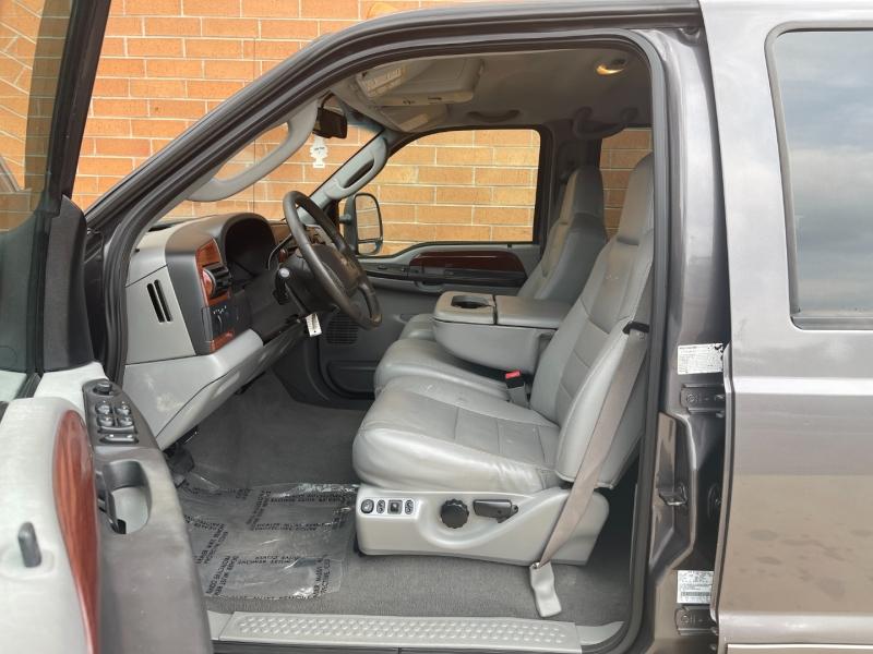 Ford Super Duty F-350 SRW 2006 price $10,900
