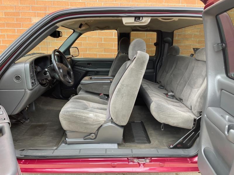 Chevrolet Silverado 2500HD 2005 price $10,500