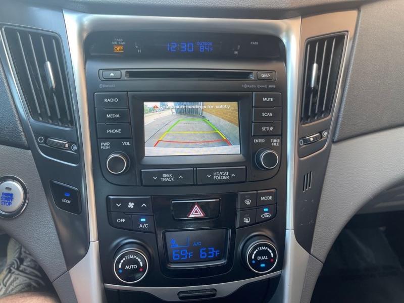 Hyundai Sonata Hybrid 2015 price $9,900