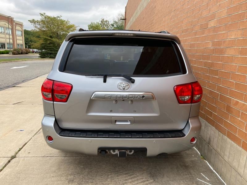 Toyota Sequoia 2008 price $12,100