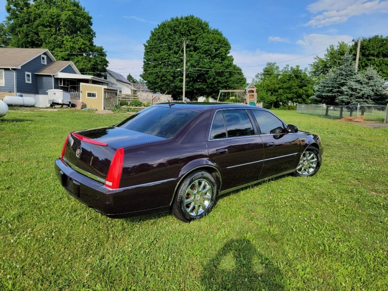 CADILLAC DTS 2008 price $7,995