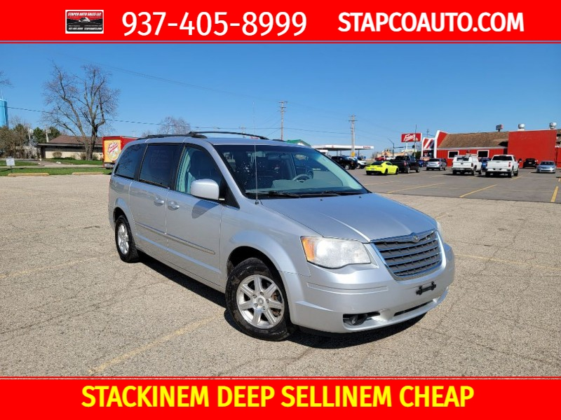 CHRYSLER TOWN & COUNTRY 2009 price $6,995