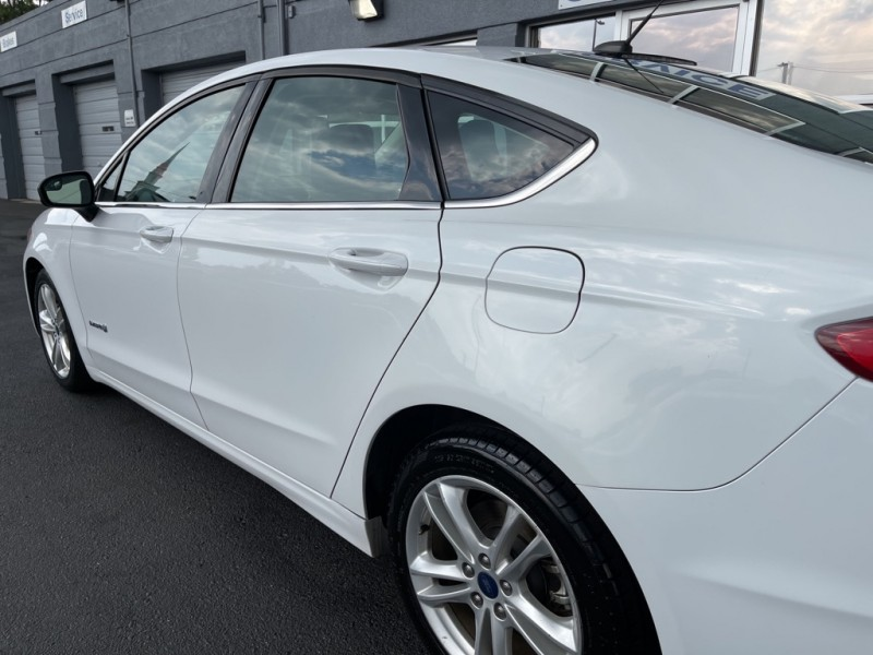 Ford Fusion Hybrid 2018 price $20,990