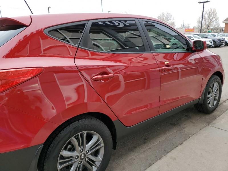 Hyundai Tucson 2015 price $14,870