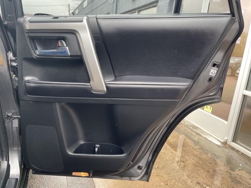 Toyota 4Runner 2016 price $35,990