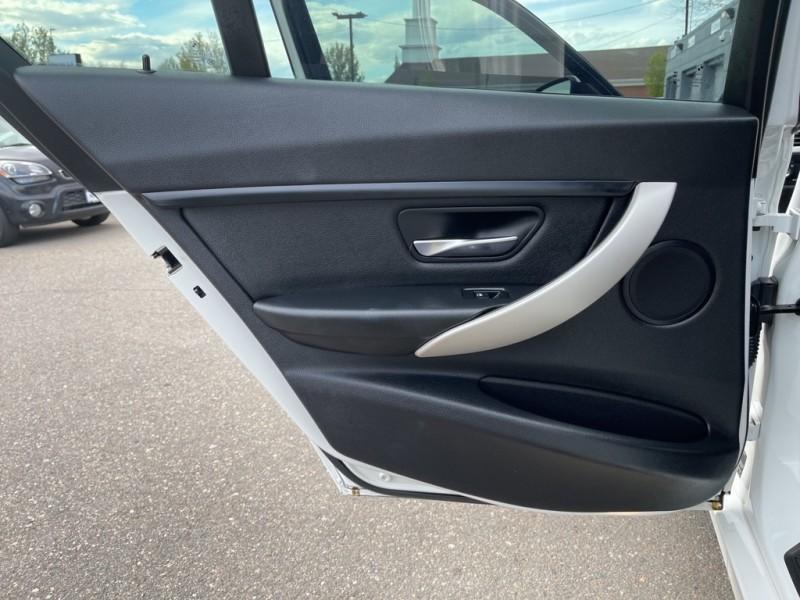 BMW 3 Series 2015 price $17,990