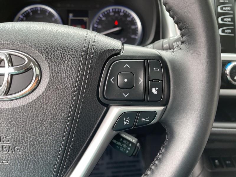 Toyota Highlander 2019 price $39,990