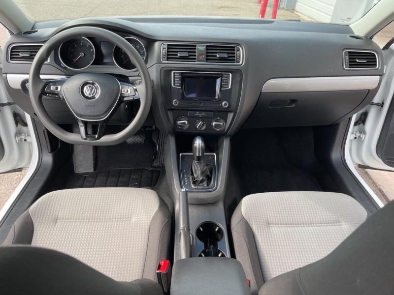 Volkswagen Jetta 2017 price $17,290
