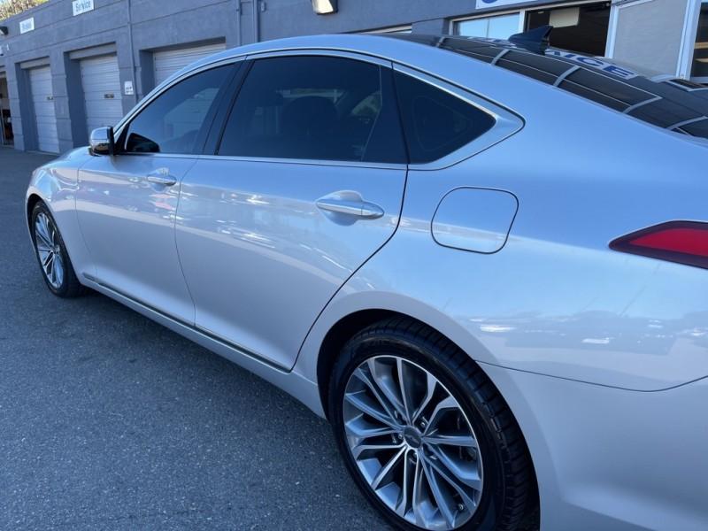 Hyundai Genesis 2016 price $25,640