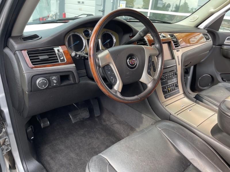 Cadillac Escalade ESV 2013 price $28,990