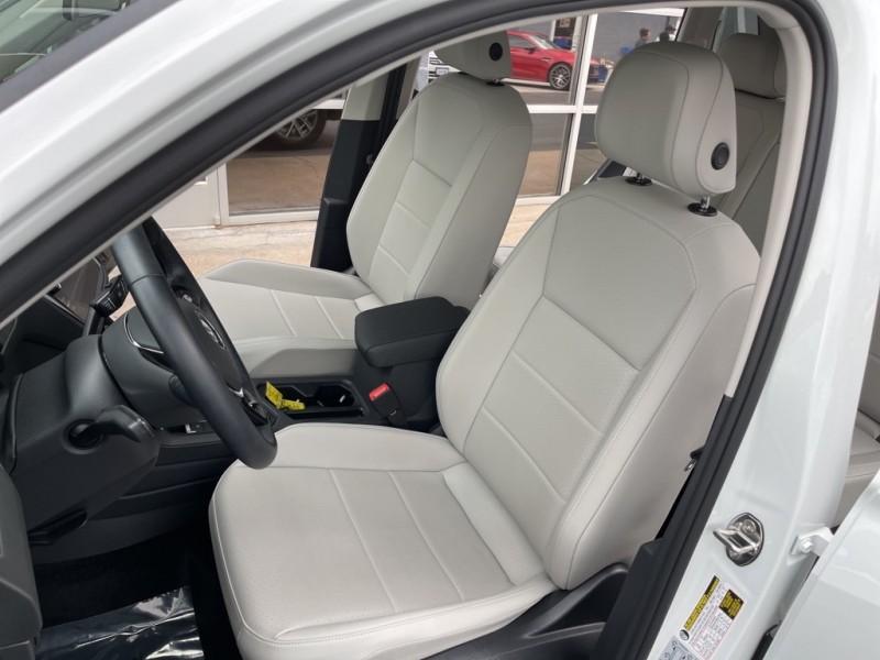 Volkswagen Tiguan 2019 price $30,945