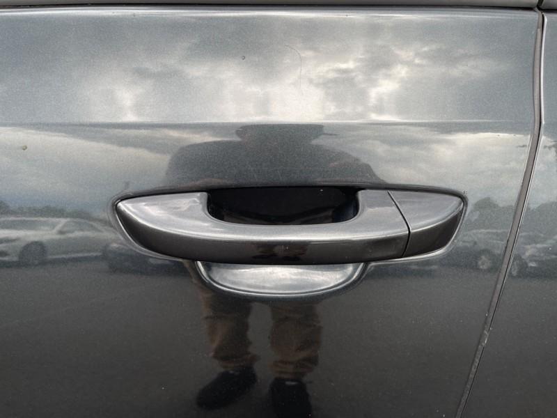 Volkswagen Golf R 2013 price $32,999
