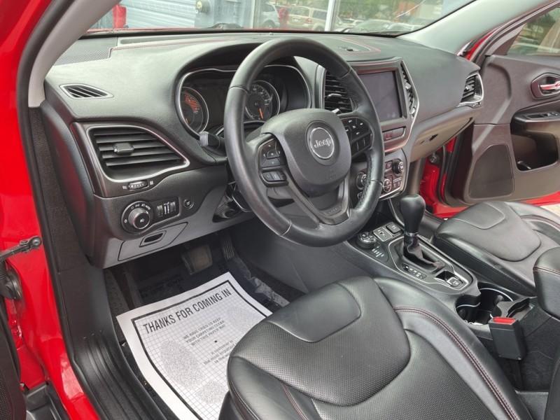 Jeep Cherokee 2019 price $31,998