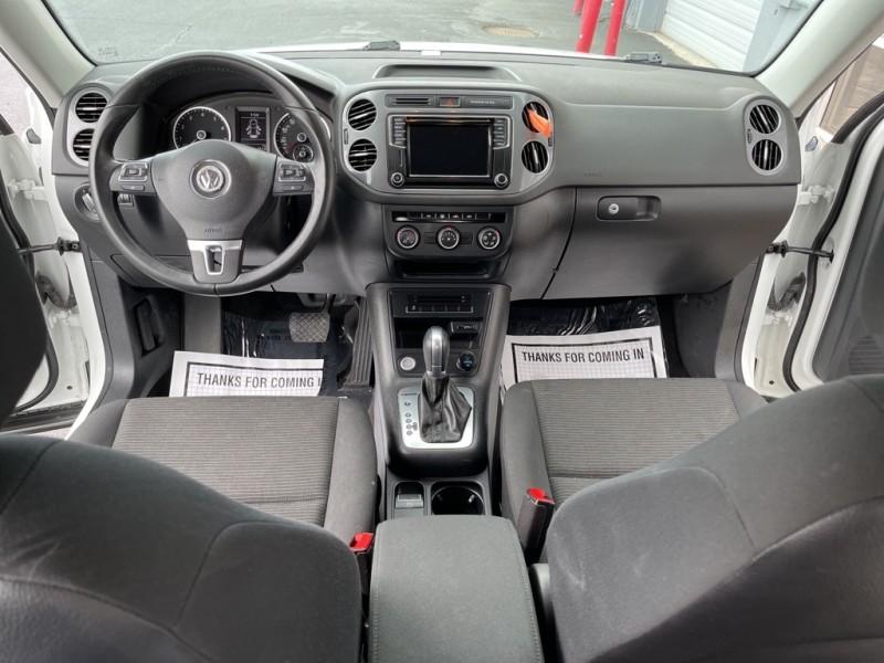 Volkswagen Tiguan 2017 price $21,890