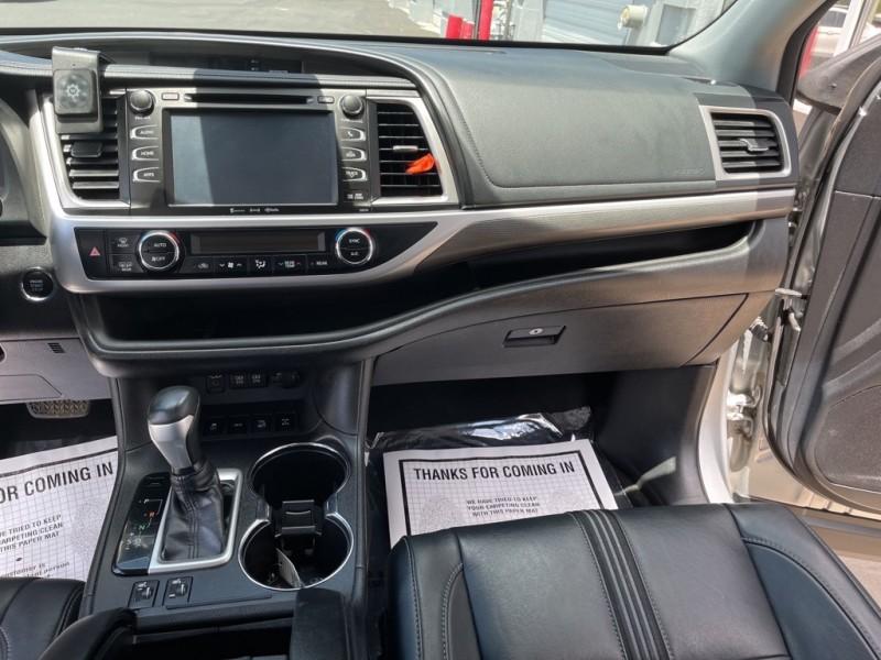 Toyota Highlander 2018 price $38,890